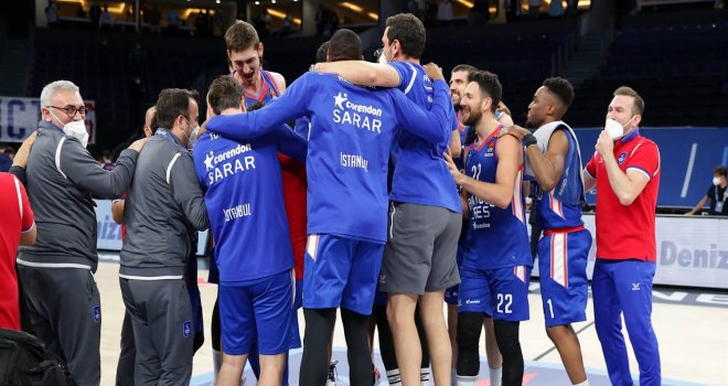 Ve Anadolu Efes Final-Four'da